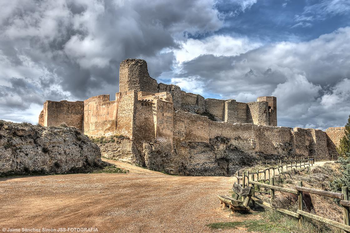 Castillo-de-Ayud-1_HDR-_foro_