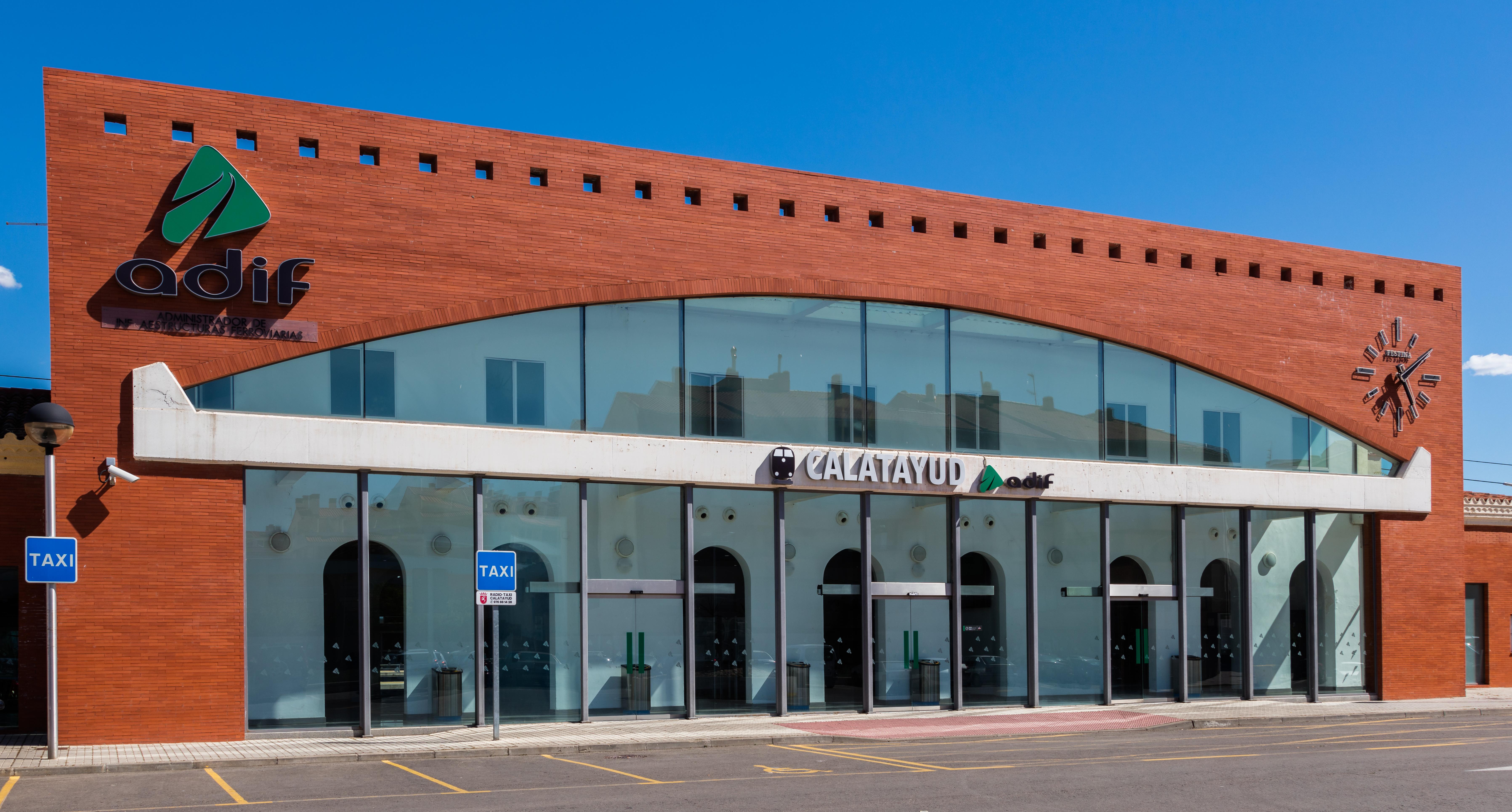 Estación_del_AVE,_Calatayud,_2016-06-21,_DD_07 (1)